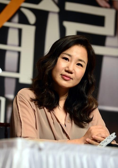 """Biên kịch Kim Eun Sook chưa hề """"hé môi"""" về cái kết phim"""