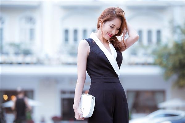Khánh Thi chuộng phong cách thời trang đơn giản, hiện đại và tinh tế. - Tin sao Viet - Tin tuc sao Viet - Scandal sao Viet - Tin tuc cua Sao - Tin cua Sao