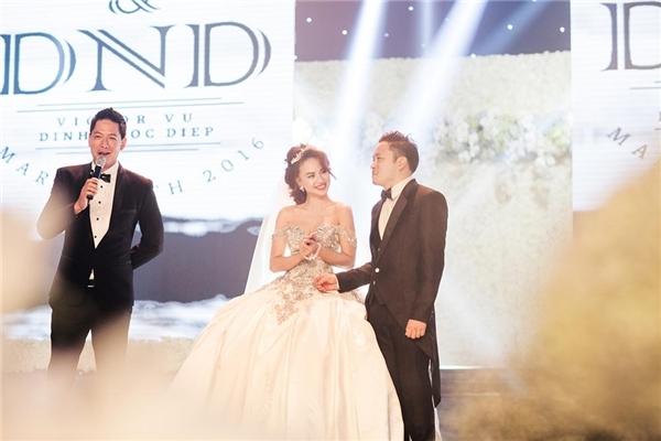 Nam diễn viên Bình Minh đảm nhận vai trò MC trong tiệc cưới của Đinh Ngọc Diệp - Victor Vũ. - Tin sao Viet - Tin tuc sao Viet - Scandal sao Viet - Tin tuc cua Sao - Tin cua Sao