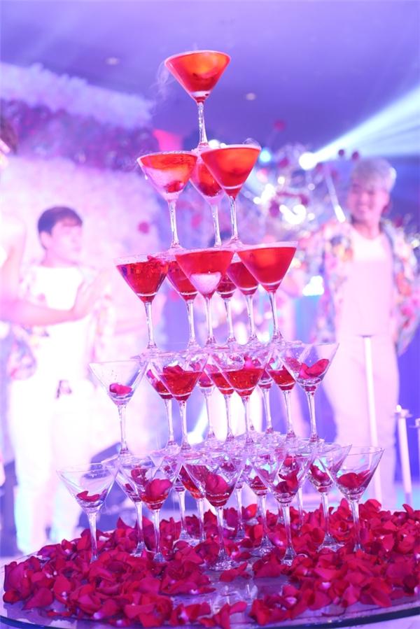 Chú rể Nam Cường rạng rỡ, Phương Thảo liên tục sụt sùi trong hôn lễ - Tin sao Viet - Tin tuc sao Viet - Scandal sao Viet - Tin tuc cua Sao - Tin cua Sao