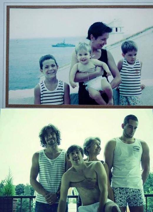 Sau bao nhiêu năm, nụ cười và ánh mắt trìu mến của người mẹ nhìn con vẫn không thay đổi.(Ảnh: Internet)