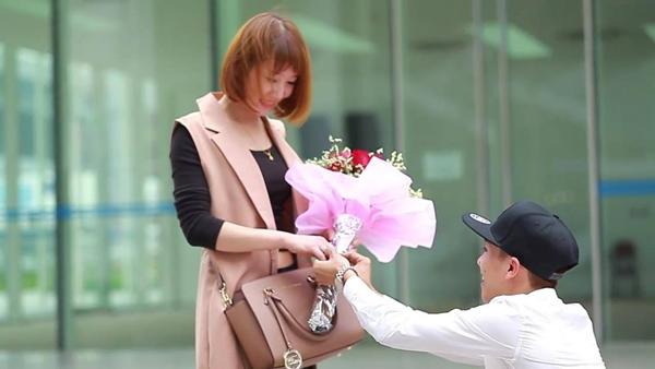 """Màn cầu hôn cực ngọt ngào của anh chàng nhiếp ảnh gia đang """"gây bão"""" mạng. (Ảnh: Internet)"""