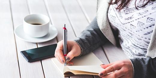 Công việc viết lách là dành cho bạn. (Ảnh: Internet)