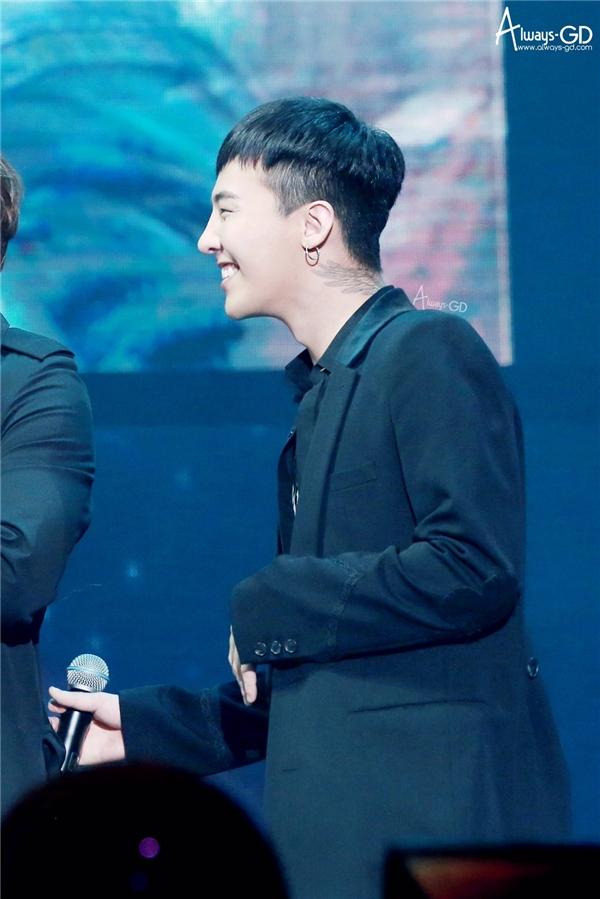 Cận cảnh hình xăm của G-Dragon