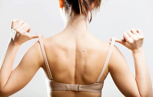Mặc áo ngực quá chật gây nhiều bệnh nguy hiểm. (Ảnh: Internet)