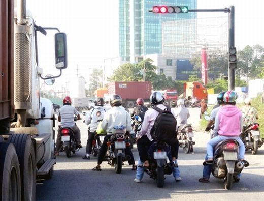 Đèn giao thông giúp giảm thiểu nguy cơ tai nạn rất nhiềuso với trước khi chưa có. (Ảnh: Internet)