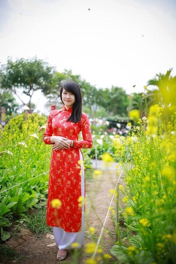 Trên trang cá nhân, Phương Thảo chia sẻ cuộc sống bình yên và vui vẻ.
