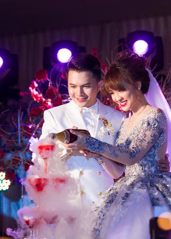 Vị hôn thê của Nam Cường sở hữu nhan sắc khá rạng rỡ, xinh đẹp. - Tin sao Viet - Tin tuc sao Viet - Scandal sao Viet - Tin tuc cua Sao - Tin cua Sao