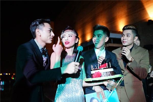 Bắt trọn khoảnh khắc đẹp tại tiệc sinh nhật xa hoa của Ngô Thanh Vân - Tin sao Viet - Tin tuc sao Viet - Scandal sao Viet - Tin tuc cua Sao - Tin cua Sao