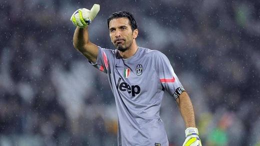 Buffon sẽ lãnh đạo đồng đội đưa Juventus vào vòng tứ kết? (Ảnh: 101greatgoals.com)