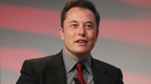 Tỉ phú gốc Nam Phi Elon Musk là Nhà sáng lập SpaceX, Tesla Motor và cả PayPal. Ông chỉ dành 6 giờ mỗi ngày cho việc ngủ. (Ảnh: Internet)