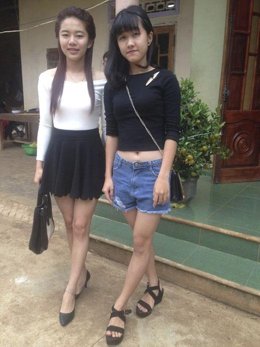 Hai chị em Thuỳ Trang và Hà Vi.
