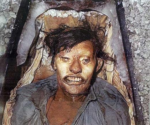 John Hartnell, người được chôn cạnh Torrington, cũng vẫn còn trong tình trạng nguyên vẹn. (Ảnh: Internet)