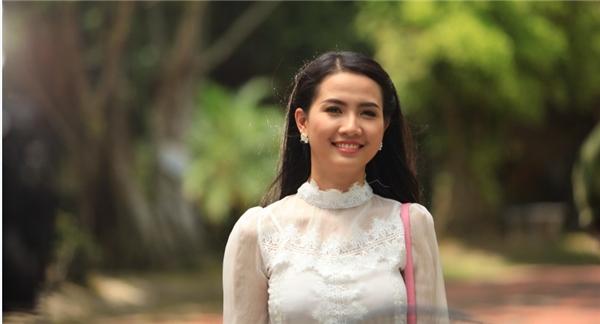 Người đẹp Phan Thị Mơ chinh phục trái tim khán giả với nét nhẹ nhàng đặc trưng của con gái xứ Huế.