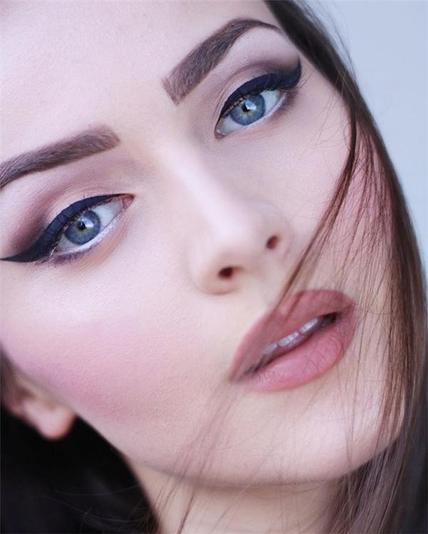 Cô gái đẹp nhất thế giới hoàn hảo tới mức độ nào?