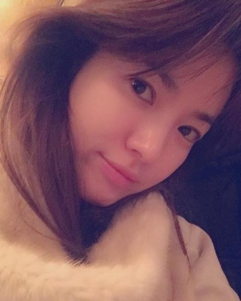 """Không hổ danh là """"ngọc nữ mặt mộc"""" xứ Hàn, Song Hye Kyo thường xuyên khoe ảnh """"tự sướng"""" khoe làn da trắng sáng không tì vết."""