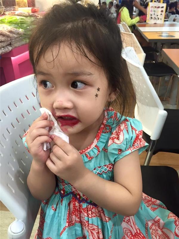 Hết hồn với gương mặt bá đạo của con gái Ốc Thanh Vân - Tin sao Viet - Tin tuc sao Viet - Scandal sao Viet - Tin tuc cua Sao - Tin cua Sao
