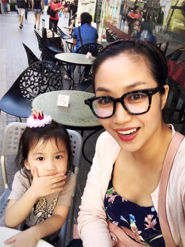 Ốc Thanh Vân và con gái đang có chuyến du lịch tại Băng Cốc, Thái Lan. - Tin sao Viet - Tin tuc sao Viet - Scandal sao Viet - Tin tuc cua Sao - Tin cua Sao