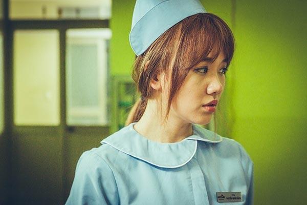 Trong phim, Hari Won đóng vai một cô y tá hiền hậu, xinh đẹp bên cạnh Trấn Thành. - Tin sao Viet - Tin tuc sao Viet - Scandal sao Viet - Tin tuc cua Sao - Tin cua Sao