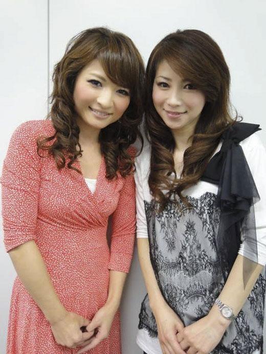 Cô Masako Mizutani (phải) khiến người ta lầm tưởng rằng cô làchị ruộtcủa cô con gái 20 tuổi. (Ảnh: Internet)