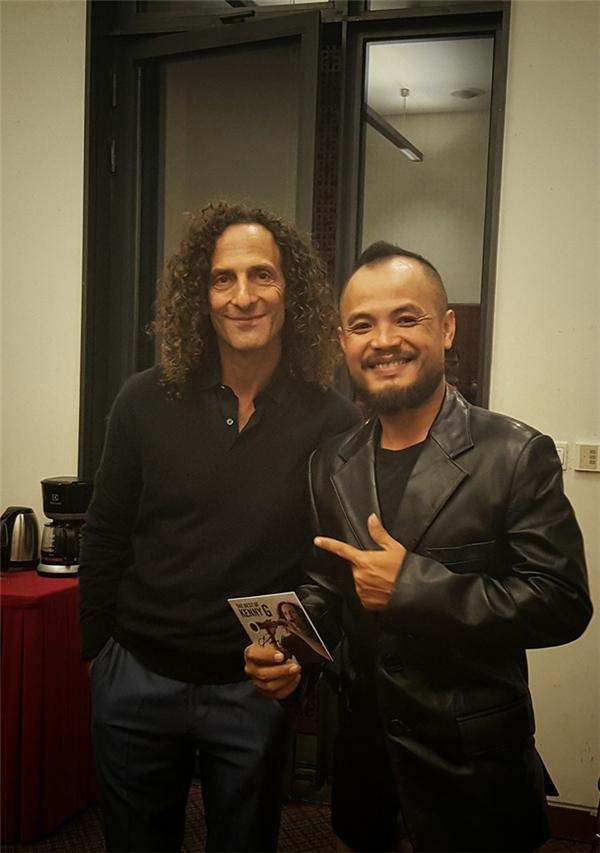Trần Lập vinh dự khi được gặp nhạc sĩ nổi tiếng Kenny G. - Tin sao Viet - Tin tuc sao Viet - Scandal sao Viet - Tin tuc cua Sao - Tin cua Sao