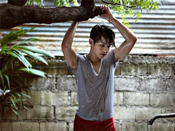 """Hành trình """"lột xác"""" ngoại hình của """"đại úy Yoo"""" Song Joong Ki"""