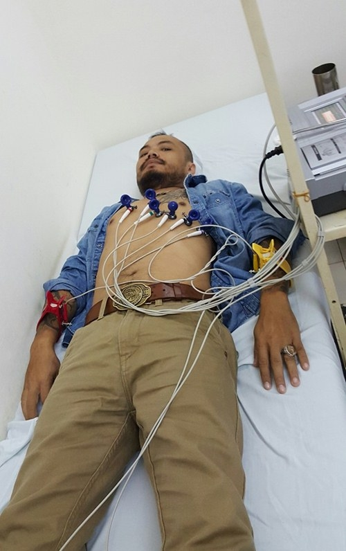 2 ngày sau đó, anh được các bác sĩ tiến hành phẫu thuật cắt bỏ khối u trực tràng và thực hiện xạ trị tại một bệnh viện ở Hà Nội. Suốt 4 tháng kiên cường chiến đấu với căn bệnh ung thư quái ác, Trần Lập luôn thể hiện thái độ bình tĩnh đương đầu thực tế, thậm chí không ít lần lên tiếng động viên ngược lại người hâm mộ của mình. - Tin sao Viet - Tin tuc sao Viet - Scandal sao Viet - Tin tuc cua Sao - Tin cua Sao