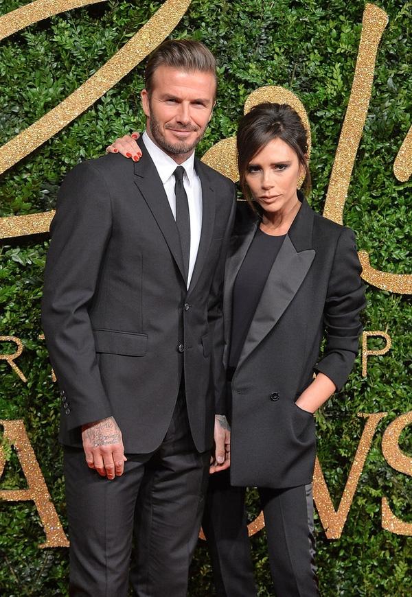 Beckham được người mẫu Playboy mời dự sinh nhật, Victoria đứng ngồi không yên