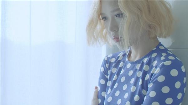 """Suni Hạ Linh gây """"choáng"""" với… khả năng thay trang phục siêu tốc"""