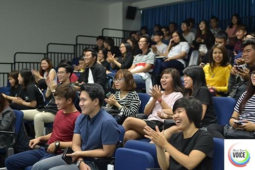 Khán giả đến tham dự vòng 2 đã rất hào hứng với các phần dự thi của các nhóm thí sinh.
