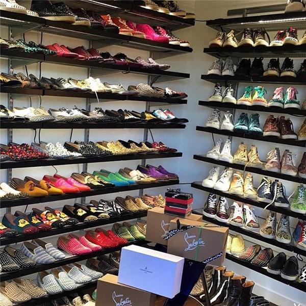 Tủ giày thiết kế nghìn đô của cậu ấm 25 tuổi. (Ảnh: Instagram)
