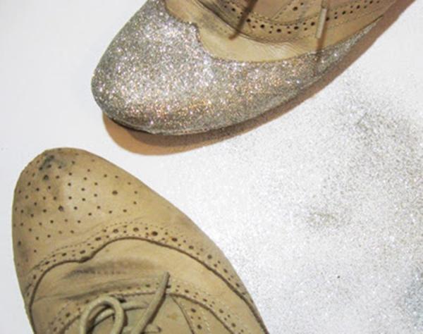 Hạn chế việc mang lại giày cũ để tránh ảnh hưởng tình duyên. (Ảnh: Internet)