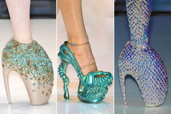 Những đôi giày này trên sàn diễn sẽ khá bắt mắt, tuy nhiên lại mang tính ứng dụng không cao. (Ảnh: Internet)