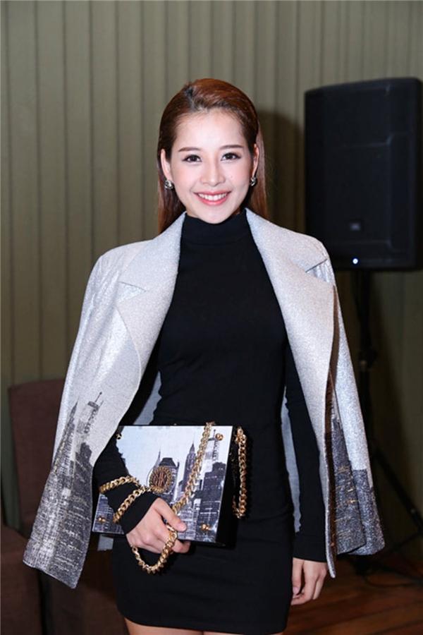 """Chi Pu từng khiến fan """"chóng mặt"""" khi chỉ trong vòng 4 tháng cô đã thay đổi hơn 6 kiểu tóc khác nhau. - Tin sao Viet - Tin tuc sao Viet - Scandal sao Viet - Tin tuc cua Sao - Tin cua Sao"""
