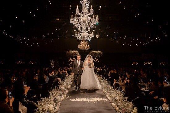 Hình ảnh hôn lễ của Kim Ha Neul