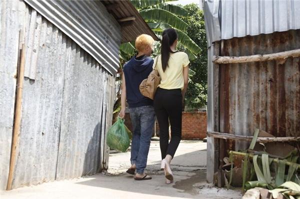 Trong trailer trước đó, cuộc đời lắm truân chuyên của Ngọc Trinh đã phần nào được truyền tải đến khán giả. - Tin sao Viet - Tin tuc sao Viet - Scandal sao Viet - Tin tuc cua Sao - Tin cua Sao