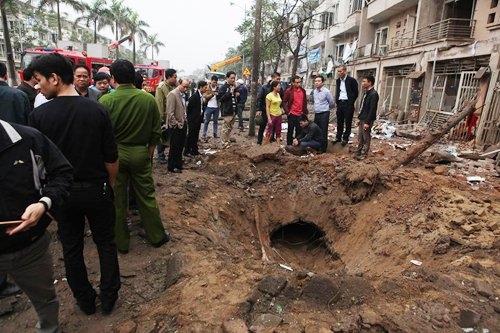 Hiện trường vụ nổ khiến 4 người tử vong và 10 người khác bị thương.
