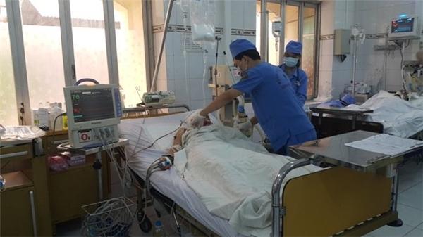 Nạn nhân Nguyễn Thị Lệ đã được mổ não và đang được điều trị tích cực.
