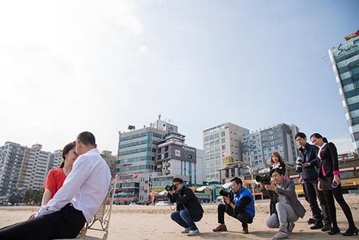 Hậu trường đám cưới của Quỳnh Nga ở Hàn Quốc có khá nhiều nhiếp ảnh chụp hình - Tin sao Viet - Tin tuc sao Viet - Scandal sao Viet - Tin tuc cua Sao - Tin cua Sao