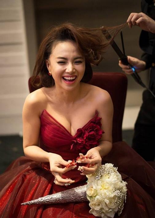 Đinh Ngọc Diệp xinh đẹp trong hậu trường cưới - Tin sao Viet - Tin tuc sao Viet - Scandal sao Viet - Tin tuc cua Sao - Tin cua Sao