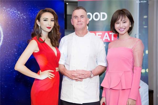 Tham gia sự kiện lần này, Ngọc Diễm vinh dự được gặp gỡ đầu bếp nổi tiếng người Anh Gary Rhodes. - Tin sao Viet - Tin tuc sao Viet - Scandal sao Viet - Tin tuc cua Sao - Tin cua Sao