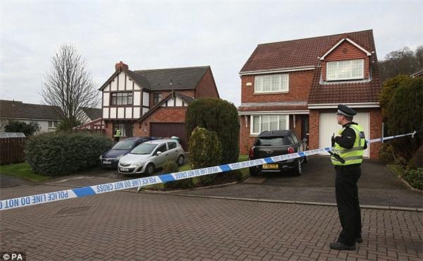 Cảnh sát đang tiến hành điều tra vụ việc: Ảnh: Daily Mail