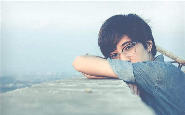 Cô gái 9x khiến nhiều nàng điêu đứng vì... đẹp trai một cách khó tin