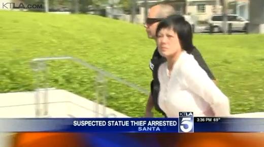Hình ảnh cô bị bắt giữa về đồn cảnh sát. (Ảnh: Cảnh sát Santa Ana)