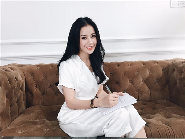 Khi gặp phải các từ ngữ khó nữ diễn viên nhờ google để dịch hoặc đọc từ tiếng Hàn sang tiếng Việt. - Tin sao Viet - Tin tuc sao Viet - Scandal sao Viet - Tin tuc cua Sao - Tin cua Sao