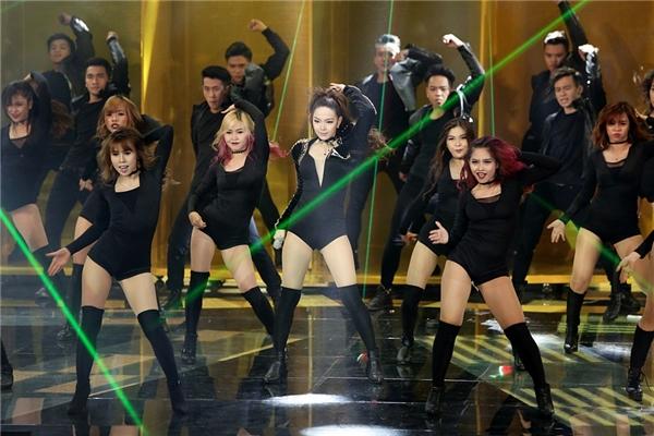 """Minh Hằng """"tiếp lửa"""" chung kết The Remix với thông điệp vui tươi - Tin sao Viet - Tin tuc sao Viet - Scandal sao Viet - Tin tuc cua Sao - Tin cua Sao"""