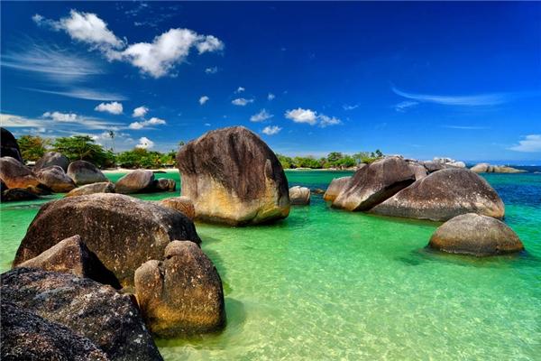 Làn nước xanh ngọc bích ở đất nước vạn đảo. (Ảnh: Internet)
