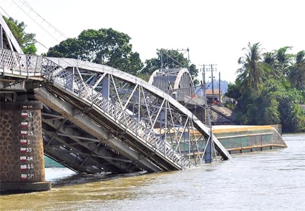 Gặp các anh hùng cứu nguy đoàn tàu trong vụ sập cầu Ghềnh