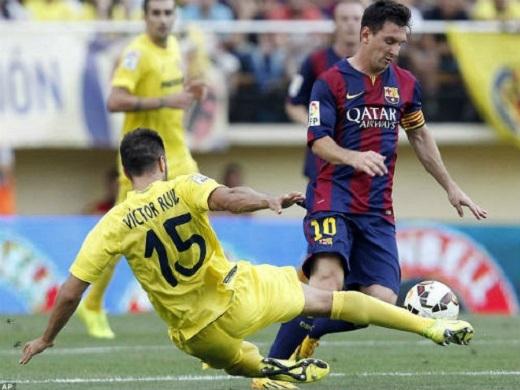 Messi (10) vừa có trận đấu đáng quên tại El Madrigal. (Ảnh: Internet)