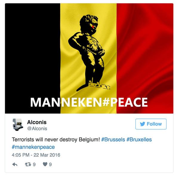 Cậu bé Manneken Pis giờ trở thành biểu tượng để thế giới chia sẻ nỗi đau với người Bỉ.